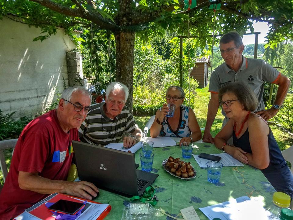 Réunion de préparation du stand, groupe Auvergne
