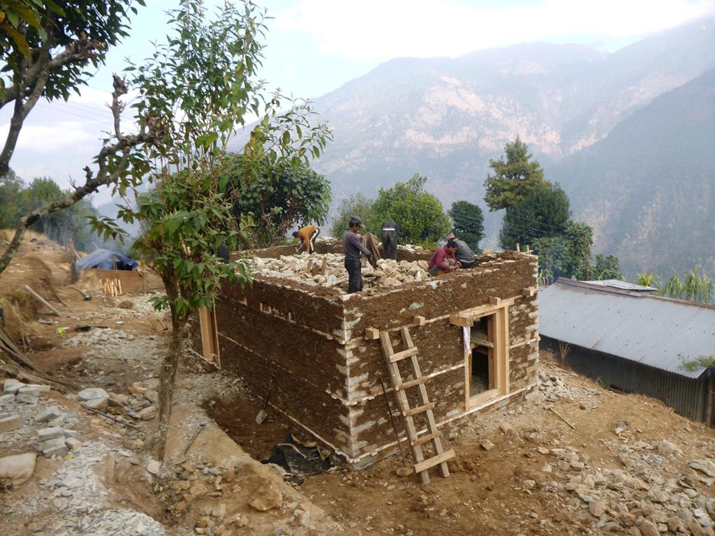 Construction de la maison de la famille Ramesh Rai.